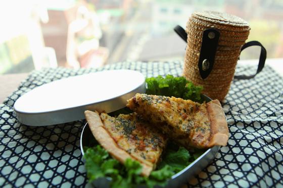 김밥이나 샌드위치 등 평범한 피크닉 요리가 질릴 때, 달걀로 만든 키쉬로 특별한 피크닉 상차림을 차려보자. 전유민 인턴기자
