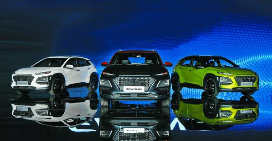 지난달 10일(현지시간) 중국 상하이 월드 엑스포 컨벤션 센터에서 열린 현대자동차 '소형 SUV 엔씨노' 출시 행사에 신차가 전시돼 있다. (현대차 제공) 2018.4.11/뉴스1