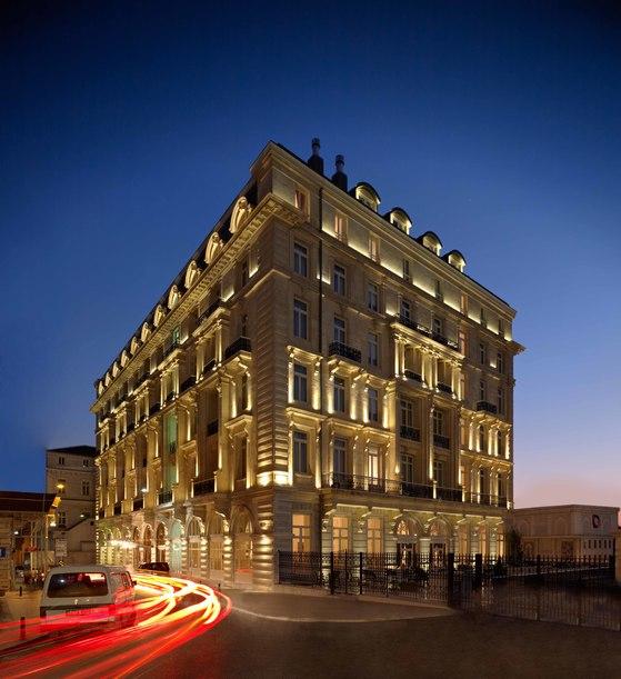 이스탄불 최초의 현대식 호텔인 페라 팰리스는 유럽의 신고전주의와 터키 전통 건축 양식이 조화를 이루고 있다. [사진 페라 팰리스 호텔]