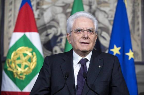 세르조 마타렐라 이탈리아 대통령이 연정 구성 협상 무산에 대한 입장을 밝히고 있다. [EPA=연합뉴스]