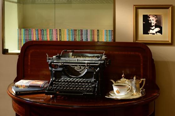 터키 이스탄불 최초의 현대식 호텔인 페라 팰리스에는 수많은 유명인이 묵었다. 작가 애거사 크리스티는 411호 객실에 머물며『오리엔트 특급 살인』을 썼다. [사진 페라 팰리스 호텔]