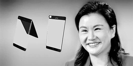 스마트폰용 강화유리를 생산하는 중국 란쓰커지의 저우췬페이 회장은 자수성가한 여성 부호 중 가장 많은 재산을 가지고 있다. 왼쪽은 란쓰커지가 생산하는 강화유리. 합성한 사진이다. [중앙포토]