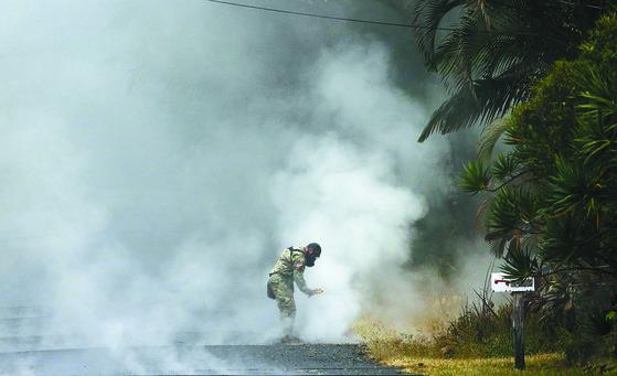 하와이 용암분출 일주일째 ... 유독가스도 비상