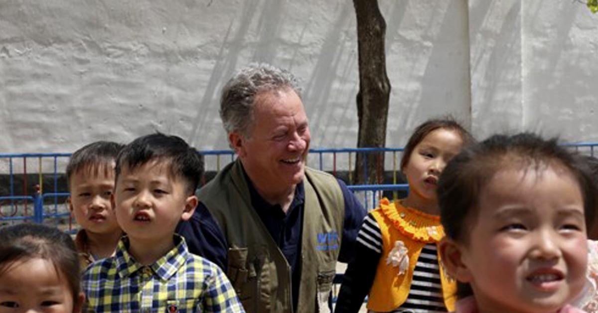 북한 유치원을 방문한 데이비드 비슬리 WFP 사무총장. [AP=연합뉴스]