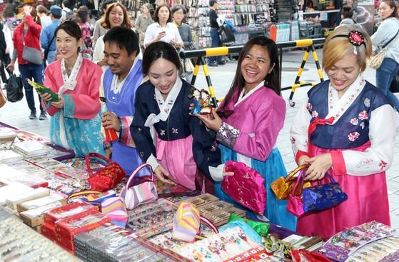 공염불이 된 시장다변화…동남아 여행객도 '한국보다 일본'