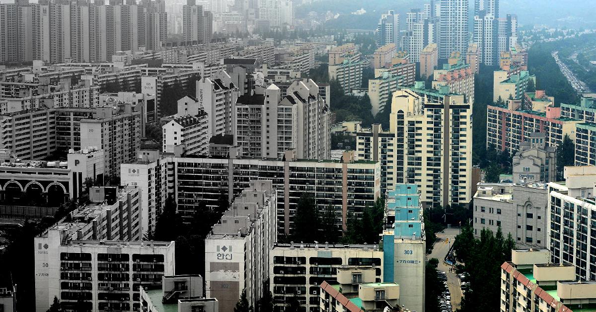 '흑백 집'이 '컬러풀 집'으로...서울시가 신혼부부의 보금자리 마련을 위한 지원을 시작한다. [중앙포토]