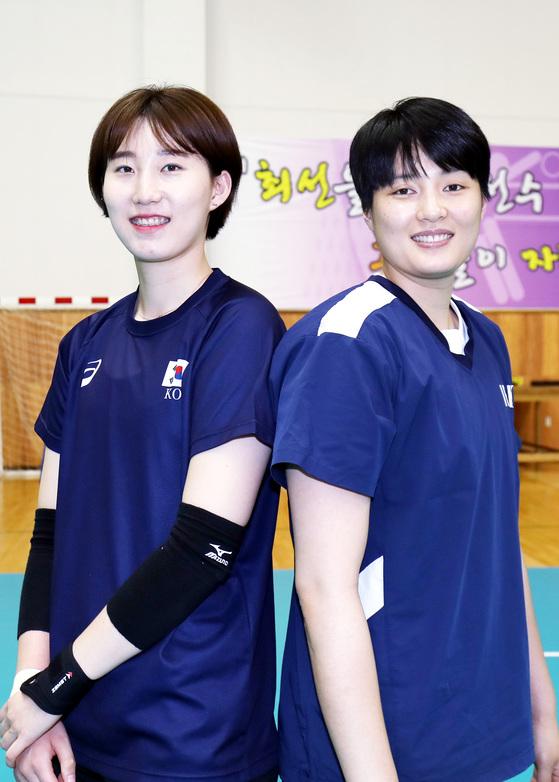 대표팀에서 다시 호흡을 맞추는 박정아(왼쪽)와 김희진. [진천=프리랜서 김성태]