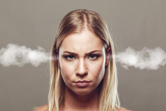 화가 머리끝까지 나서 참을 수 없을 정도라도 하루 정도 참고 다음 날 그 직원에게 사실을 기반으로 질책하는 것이 바로 감정적으로 대응하는 것보다 효과적일 수 있다. [사진 Pexels]