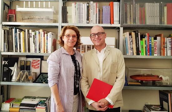 伊 '밀리오레+세르베토' 건축사무소(MIGLIORE+SERVETTO Architects)'의 설립자인 이코 밀리오레(Ico Migliore 右)와 마라 세르베토(Mara Servetto 左) (사진제공: 노루그룹)