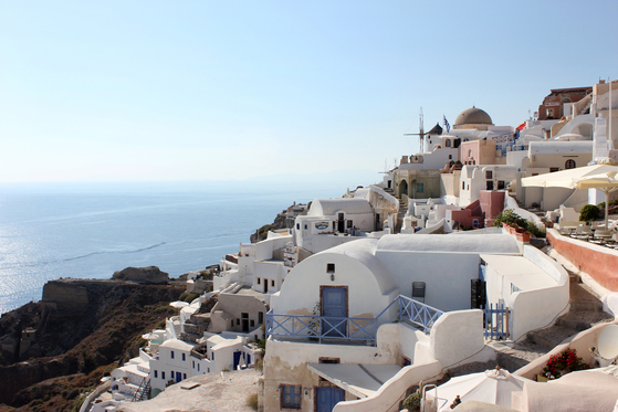 마누엘 알바레즈 영국항공 한국지사장은 그리스 섬을 올 여름 추천여행지로 꼽았다. 사진은 그리스 산토리니. [중앙포토]