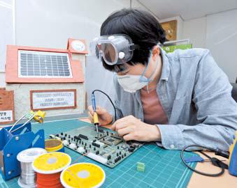 국민대 전자공학부는 기업 수요를 반영한 최우수 대학으로 선정됐다. [사진 국민대]