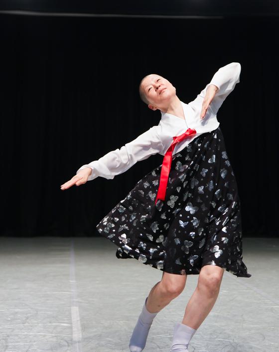 안은미의 북한춤