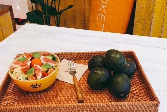 하와이 서퍼들이 즐겨 먹는 포케보울은 간편하면서도 열량과 영양이 풍부해 도심 속 직장인들의 점심 메뉴로도 인기를 끌고 있다. [사진 알로하포케]