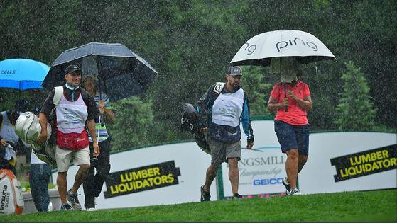 LPGA 투어 킹스밀 챔피언십이 연이은 폭우로 54홀 축소 운영됐다. [사진 LPGA 투어 트위터]