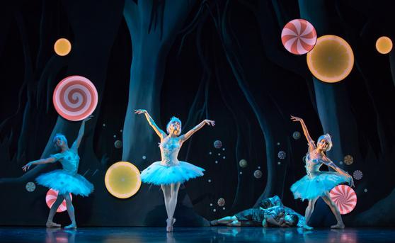 스코틀랜드 국립발레단의 2013년 작품 '헨젤과 그레텔'. 내한 공연을 앞두고 있다. [사진 LG아트센터]