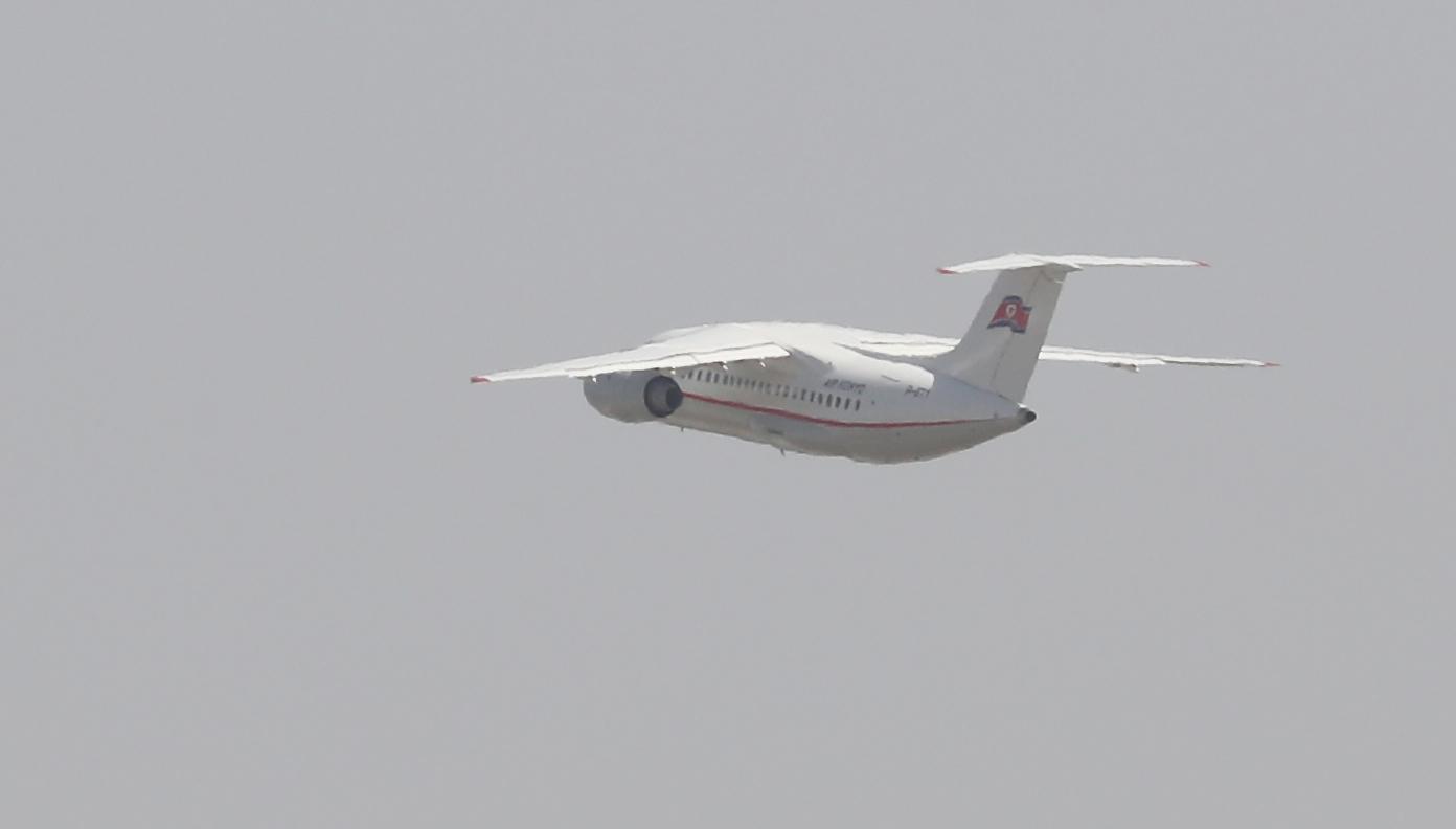 풍계리 핵실험장 폐기 행사 국제기자단이 탑승한 고려항공 여객기가 22일 오전 중국 베이징 서우두 공항에서 이륙하고 있다. 남측 기자단은 북측의 명단 접수 거부로 이날 여객기에 탑승하지 못했다. [뉴스1]