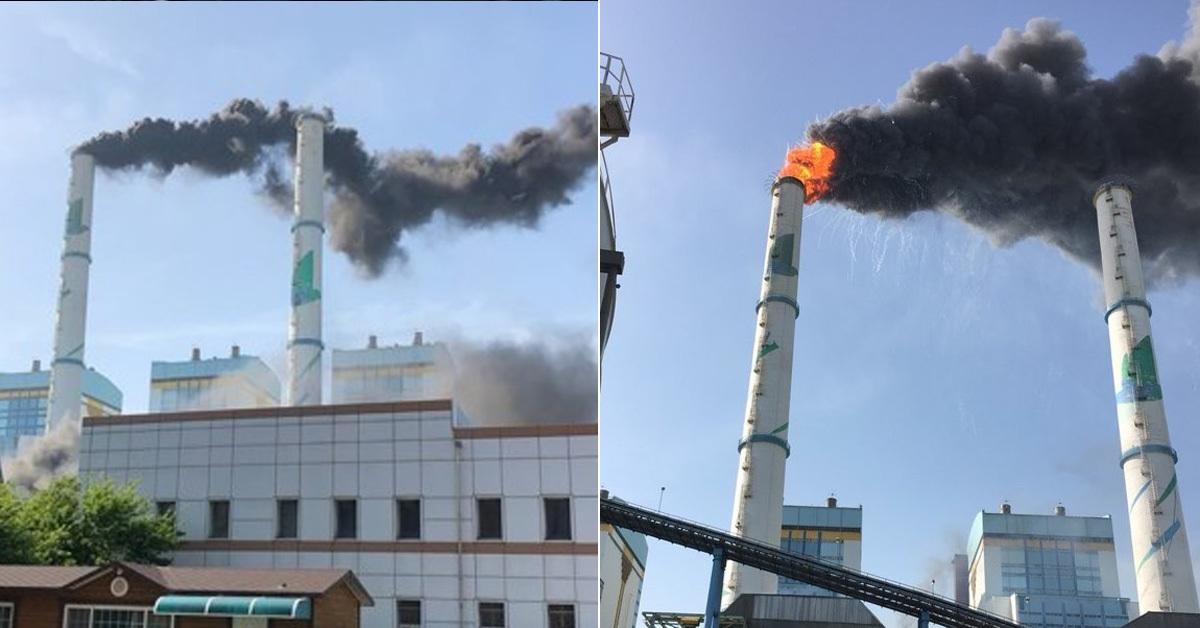 24일 오후 3시 51분쯤 충남 태안군 원북면 방갈리 태안화력발전소 2호기 탈황설비에서 화재가 발생해 검은 연기가 솟아오르고 있다. [독자 제공=연합뉴스]
