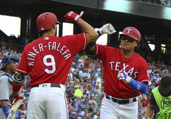 26일(한국시간) 캔자스시티전에서 MLB 동양인 최다 홈런 타이 기록을 세운 추신수. [AP=연합뉴스]