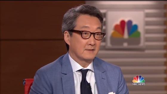 """빅터 차 조지타운대 교수(CSIS 한국석좌)가 27일 미 NBC방송에 출연해 """"북한이 평화협정 체결을 원하는 가장 중요한 이유는 돈 때문""""이라고 말했다.[NBC방송 캡처]"""