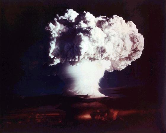 핵폭발 후 나타나는 버섯구름. [중앙포토]