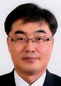 이민창 교수
