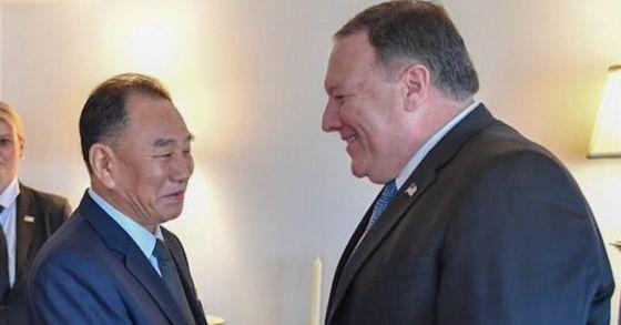 폼페이오 미국 국무장관과 김영철 북한 노동당 부위원장이 30일(현지시간) 오후 7시 뉴욕에서 만찬을 가졌다. [사진 마이크 폼페이오 트위터 갈무리]