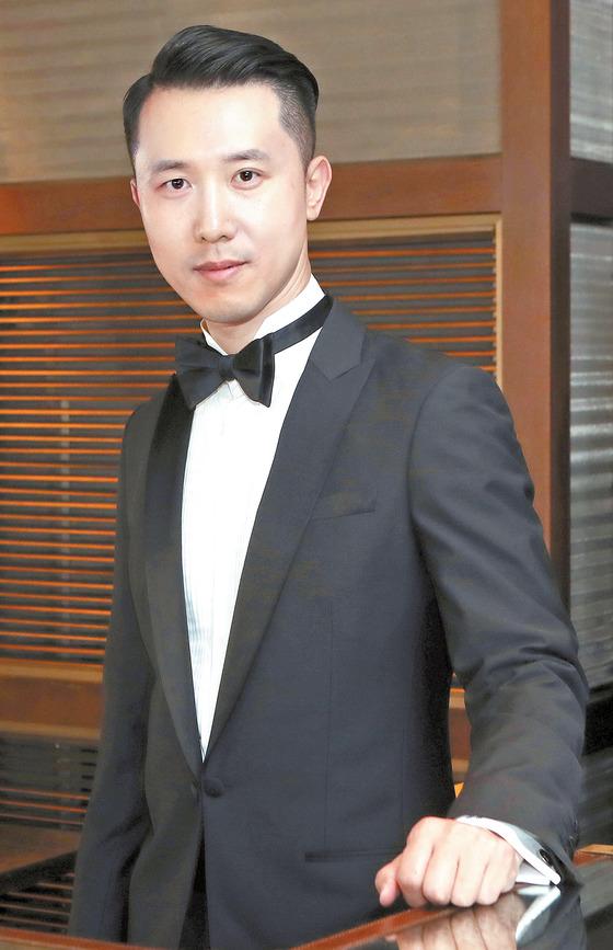 메리어트 인터내셔널의 한국·일본·괌 운영 총괄을 맡고 있는 김덕승 상무. 호텔 개관 업무를 주로 담당한다.