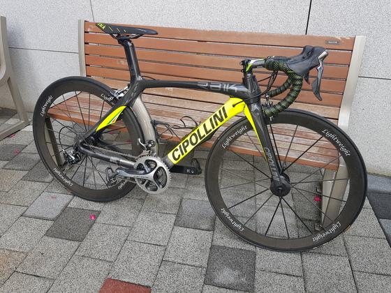 범행에 사용된 2000만원대 이탈리아산 치폴리니 자전거. 김지아 기자