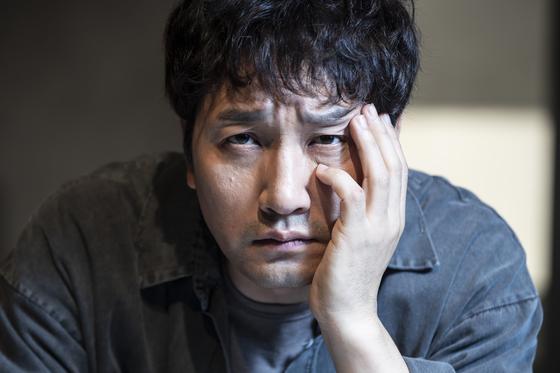 배우 이석준. 연극 '킬롤로지'의 알란 분장을 하고 인터뷰를 했다. [권혁재 사진전문기자]
