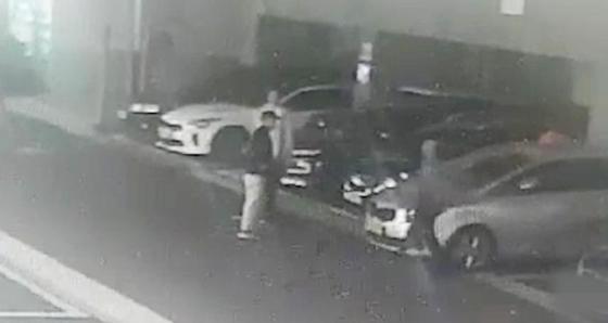 범행 후 도주하는 중국인 피의자들 찍힌 CCTV 화면 [제주서부경찰서 제공=연합뉴스]