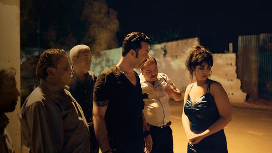 성폭력 피해 여성에 대한 튀니지 경찰의 2차 가해 실화를 담은 영화 '뷰티 앤 더 독스'. [사진 아랍영화제]