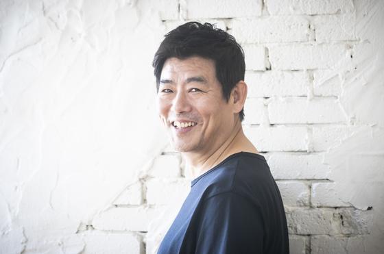 '탐정:리턴즈'(13일 개봉) 주연배우 성동일(51)이 지난달 31일 서울 삼청동 카페에서 환하게 미소지었다. 권혁재 사진전문기자