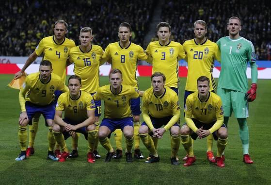 12년 만에 월드컵 본선행의 꿈을 이룬 스웨덴 축구대표팀. [AP=연합뉴스]