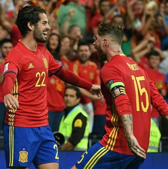 4년 전 월드컵 조별리그에서 탈락한 스페인축구대표팀은 러시아에서 명예회복을 노린다. [이스코 SNS]