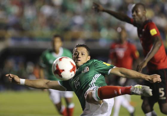 멕시코대표팀의 최전방 스트라이커 하비에르 에르난데스. [AP=연합뉴스]