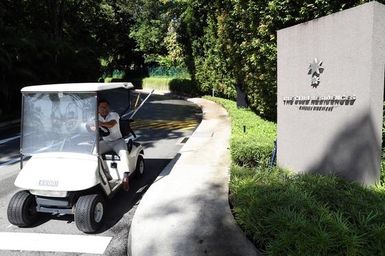 6·12 북미정상회담 장소로 결정된 싱가포르 센토사섬 내 카펠라 호텔 입구, [뉴스1]