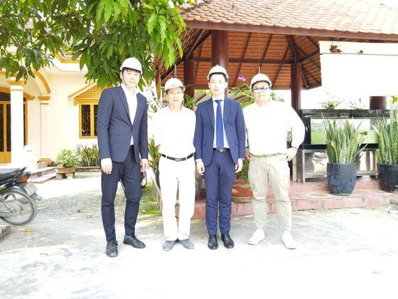 국내 철망회사의 베트남 진출을 돕기 위해서 베트남 호치민시 외곽 현지 파트너 회사의 콘크리트 생산 공장을 방문했다.