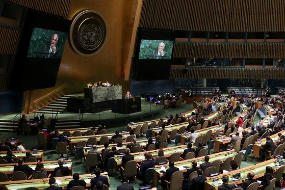 13일(현지시간) 유엔총회에서 이스라엘의 과도한 무력사용을 규탄하는 결의안이 찬성 120표, 반대 9표, 기권 45표로 채택됐다. [로이터=연합뉴스]