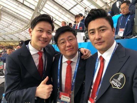 러시아 월드컵 개막전부터 입담을 뽐낸 안정환 MBC 해설위원(오른쪽). 왼쪽은 김정근 캐스터. [MBC]