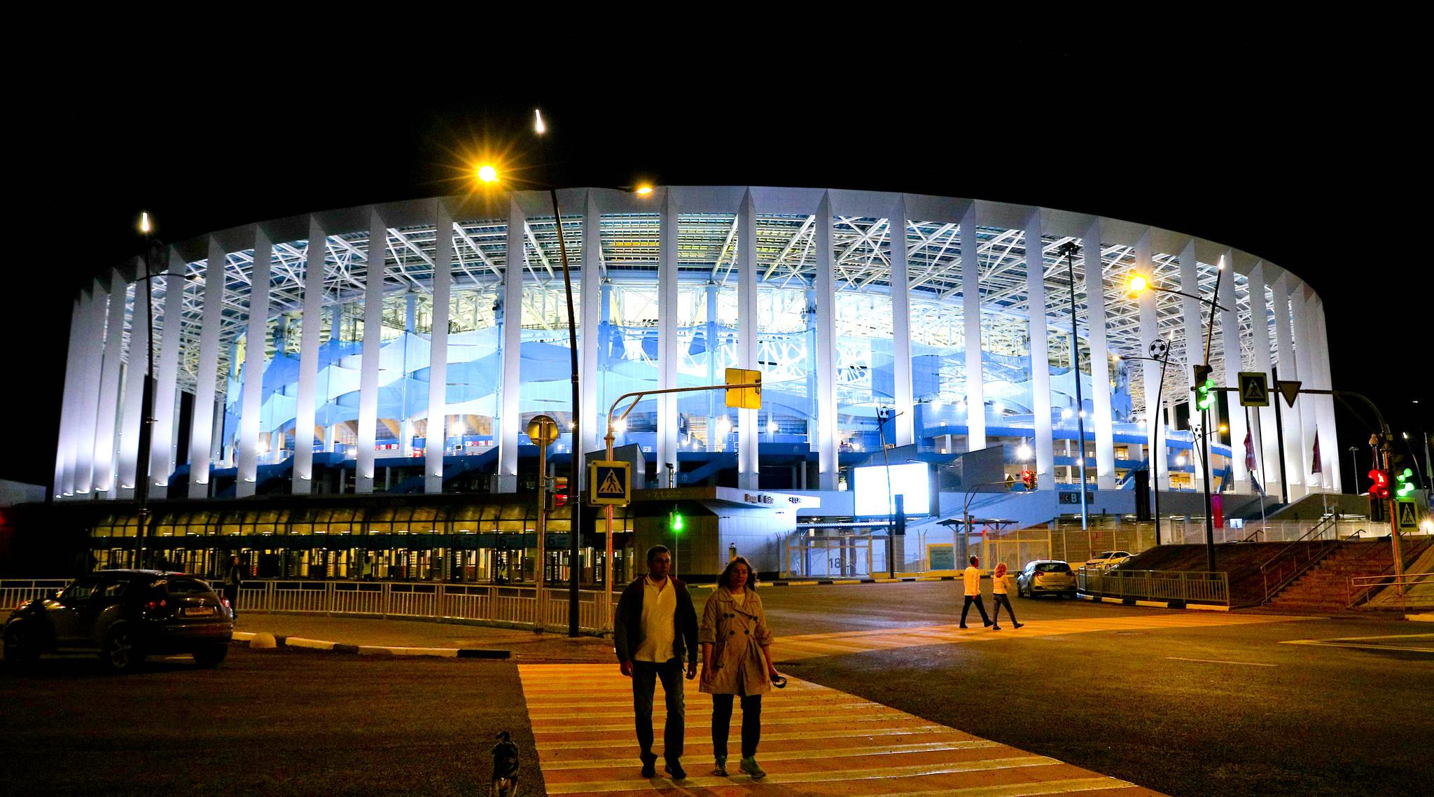 16일(현지시간) 2018 러시아월드컵 한국과 스웨덴의 경기가 열리는 니즈니 노브고로드 월드컵 경기장에 불이 켜져있다.  임현동 기자
