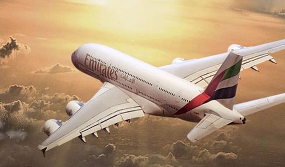 아랍에미레이트항공의 A380. 현존하는 여객기 중 가장 크다. [중앙포토]