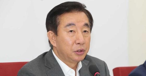 김성태 자유한국당 대표 권한대행이 18일 오전 국회에서 현안 관련 기자회견을 열고 발언하고 있다. 오종택 기자