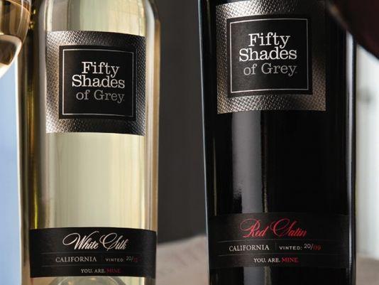 원작자인 이엘 제임스(E.L. James)가 공식 와인으로 지정해 판매하는 '그레이의 50가지 그림자'와인. 캘리포니아의 와인메이커 마크 비먼(Mark Beaman)에 위탁해 와인을 만든다. 레드 와인인 Red Satin은 쁘띠 시라와 시라로 만들며 화이트 와인인 White Silk는 게부르츠트라미너와 소비뇽블랑을 섞어 만든다. 소비뇽블랑은 소설속에 등장하는 뿌이 퓌메와 상세르를 만들 때 쓰는 청포도 품종이다. [사진 http://www.fiftyshadeswine.com/]