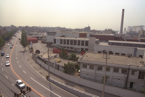 과거 서민이 살던 공장지대였던 영등포. 오늘날은 '콜라텍의 메카'라고 불리고 있다. [중앙포토]