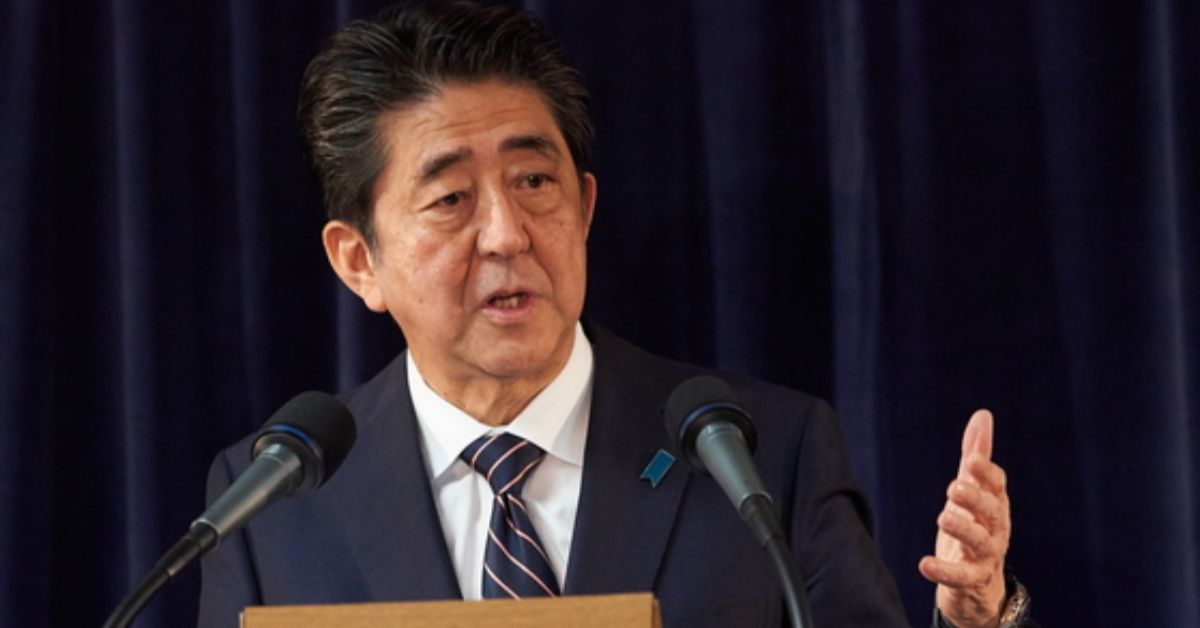 현지시간 9일 아베 총리가 G7정상회의가 열린 캐나다 퀘벡에서 기자회견을 하고 있다. [EPA=연합뉴스]