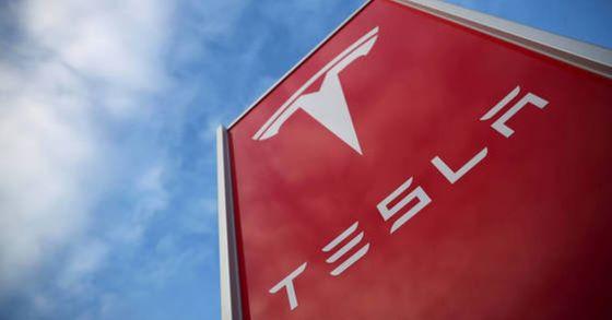 테슬라는 기존 자동차업체가 인지하지 못했던 고객의 자동차 구매 및 유지 보수에 관한 행동변화를 이끌어 냈고 차별점을 구축했다. [사진 로이터=연합뉴스]