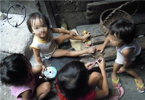 필리핀 현지의 코피노들. [연합뉴스]