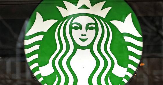 스타벅스가 처음으로 매출 1조원-영업이익 1000억원 시대를 열었다. [AP=연합뉴스]