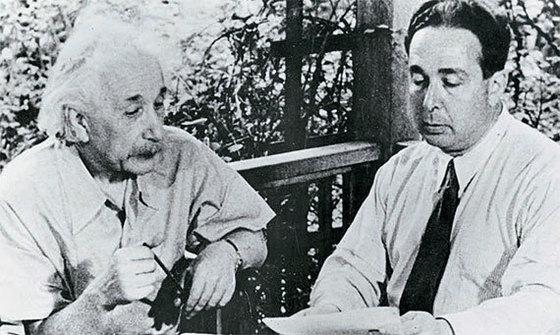 유대인인 알베르트 아인슈타인은 언제나 거리낌없이 토론하는 것을 즐겼다. [사진 김영사]