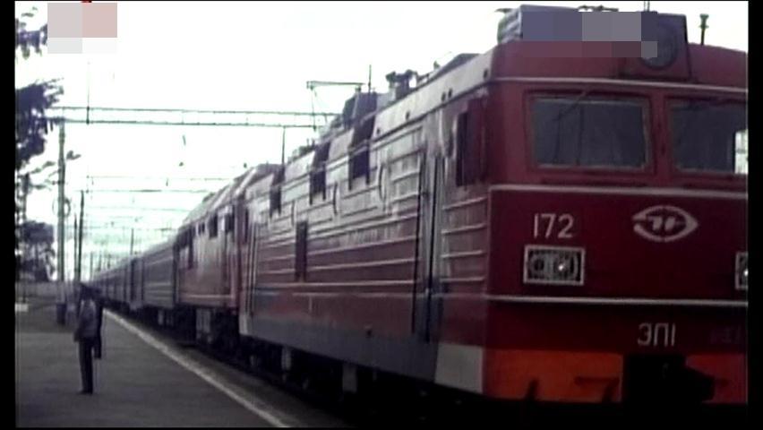 김정일 위원장의 러시아 방문 때 이용한 러시아의 'ER1'형 전기 기관차. [중앙포토]